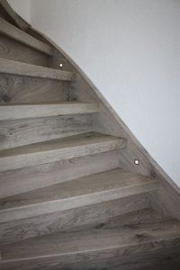 Bekijk voorbeelden van de zijkanten (wangen van een trap) na ...