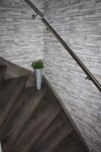 Een RVS trapleuning zorgt voor een chique uiterlijk van uw trap