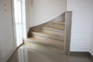Betonnen Trap Voorbeelden : Bekijk voorbeelden van de zijkanten wangen van een trap na